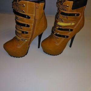 Breckelles Women's Blazer Ankle Stiletto Boots 6